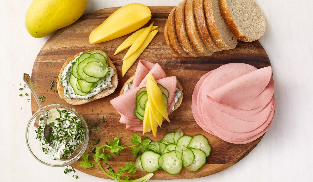 Bologna and mango sandwich with coriander