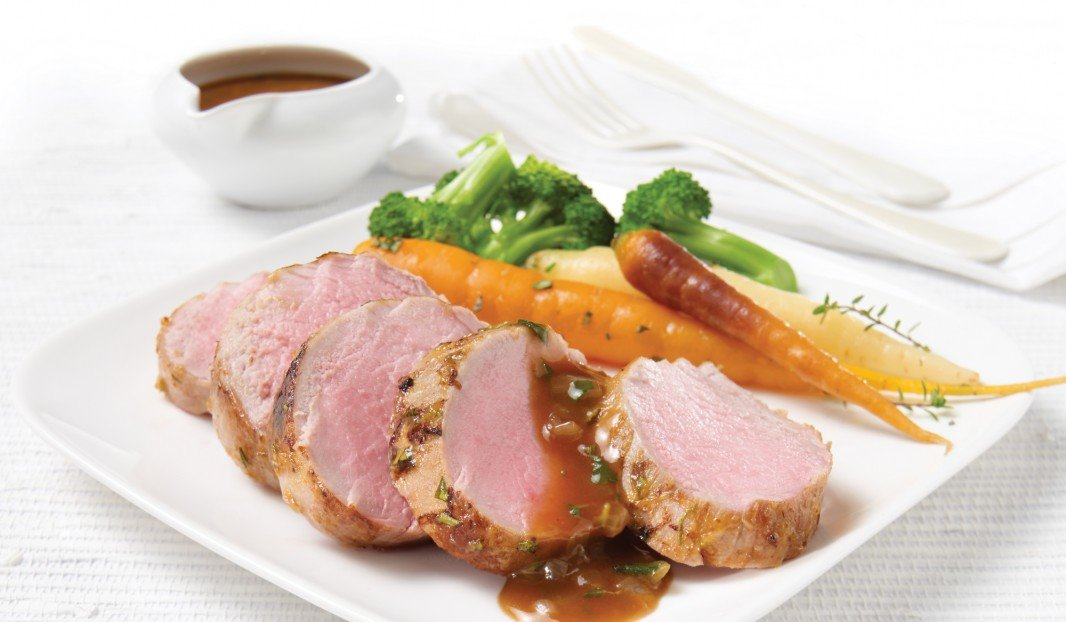 Pork tenderloin with Dijon mustard and fine herbs