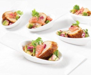 Bouchées de saucisse Toulouse Douce avec salsa d'avocat et pamplemousse