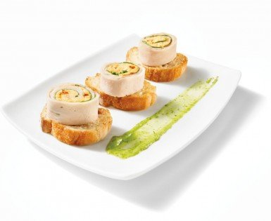 Turkey and Boursin cranberry & pepper roll bites