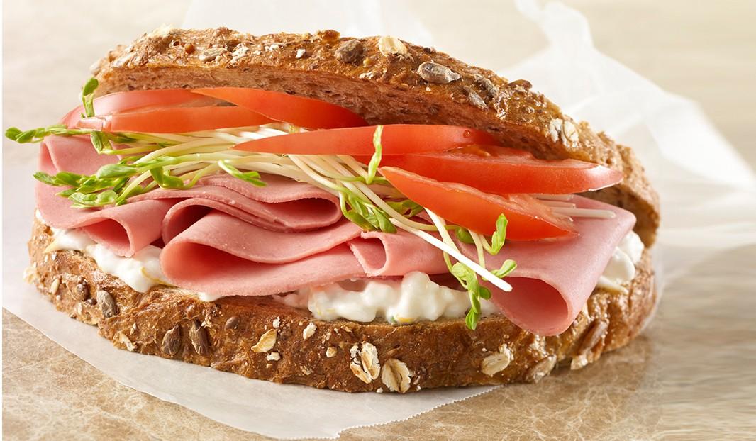 Sandwich bologne et fines herbes