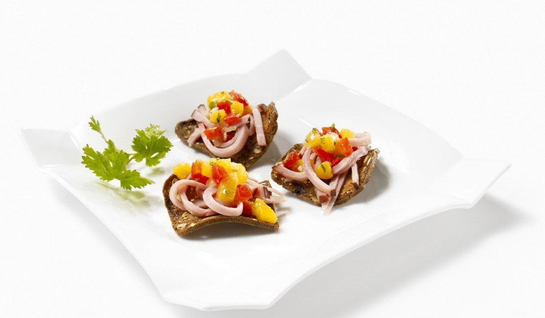 Ham and peach chutney canapés