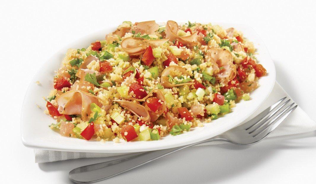 Salade de couscous au jambon et aux légumes
