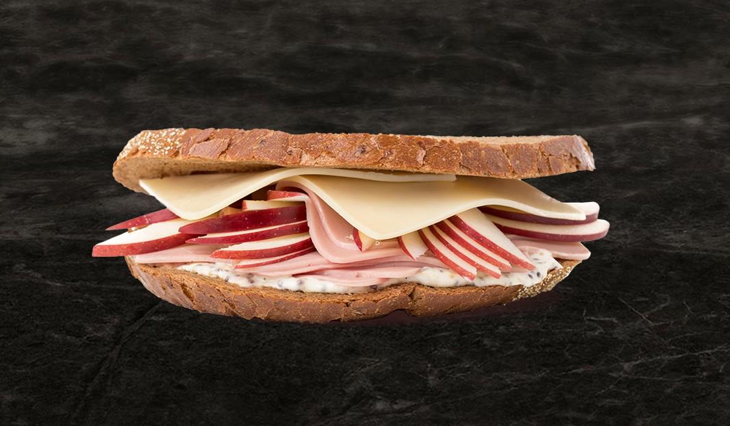 Sandwich simili-poulet, pomme et cheddar fort