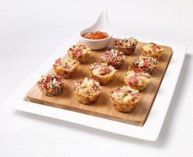 Quinoa pizza mini-bites with Amoré pepperoni