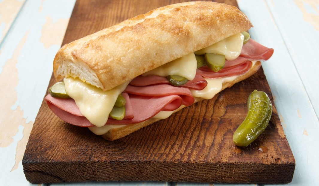 Grilled Cuban sandwich with bologna | Olymel