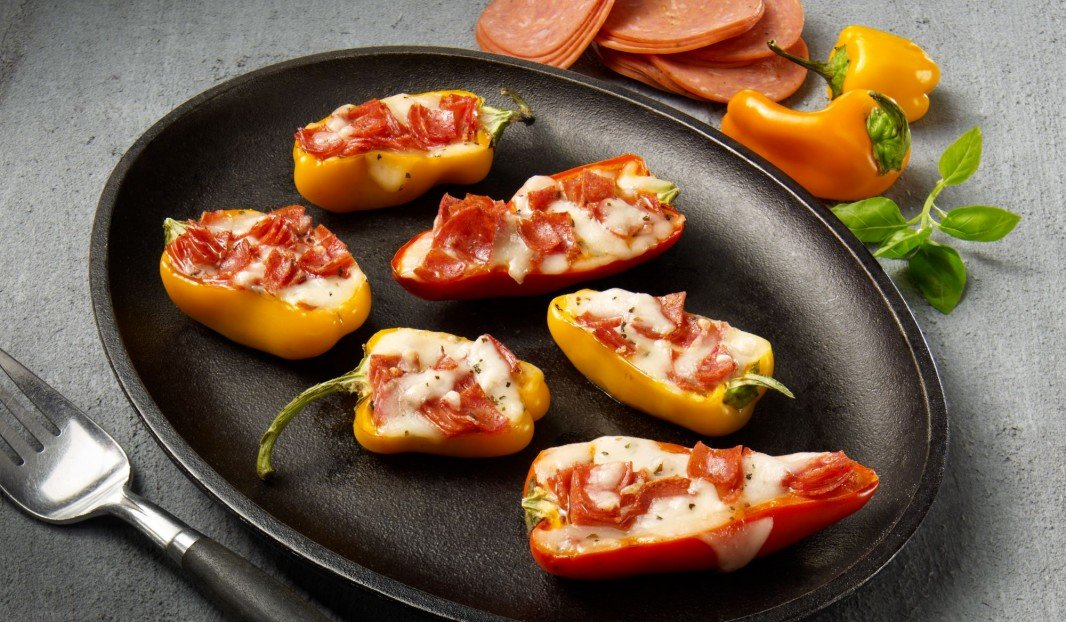 MINI-PEPPERS STUFFED WITH AMORÉ PEPPERONI