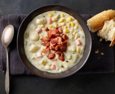 Creamy corn and bacon chowder