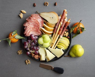 Say ¡Holà! to our three Spanish deli platter ideas