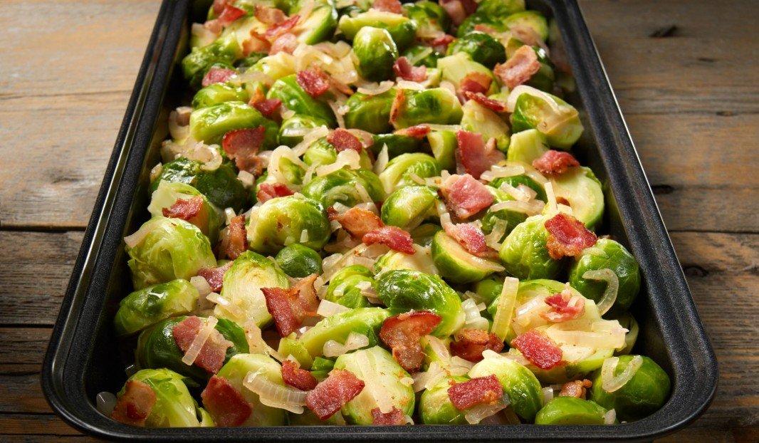Choux de Bruxelles au bacon et échalotes