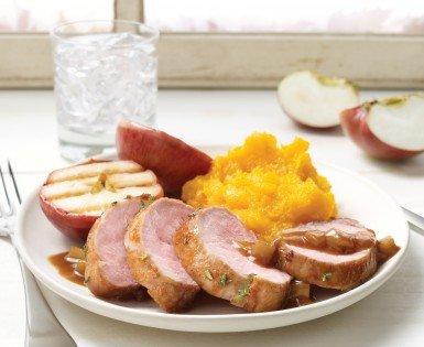 Pork filet mignon with caramelized apples