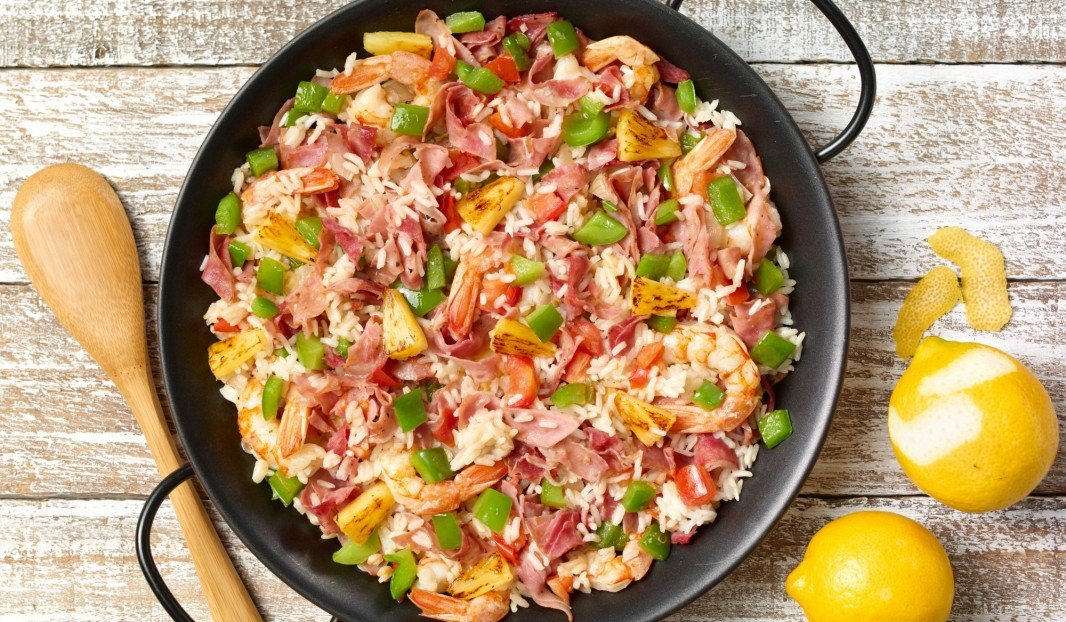 CARIBBEAN PAELLA, WITH SMOKED HAM, SHRIMPS AND PINEAPPLE