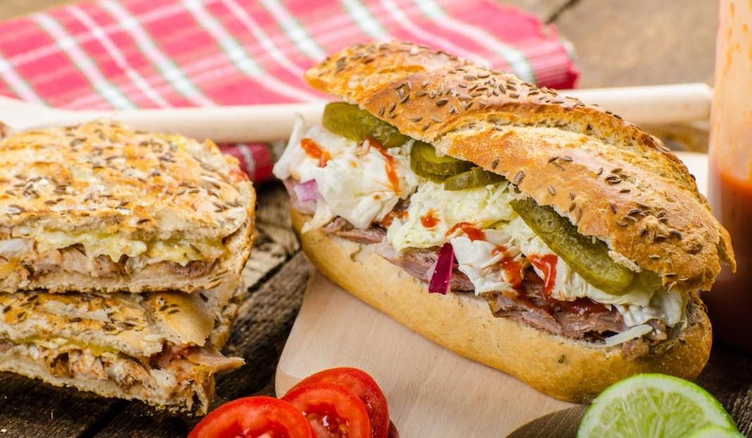 Sandwich Cubain à l'effiloché de porc B.B.Q.