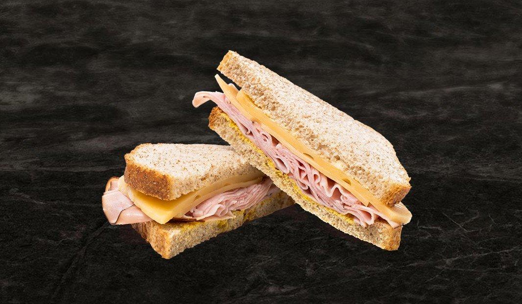 Sandwich jambon pour matin pressé