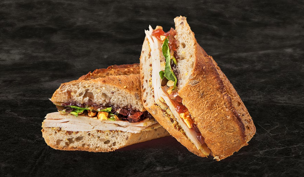 Sandwich dinde et confit d'oignon et canneberge