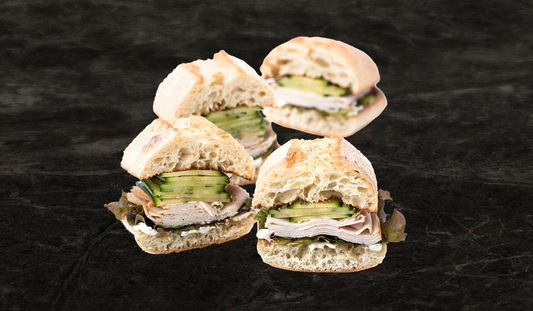 Sandwich poulet et courgette marinée