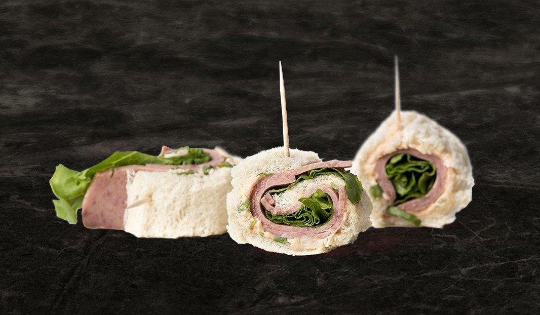 Roulés épicés au salami