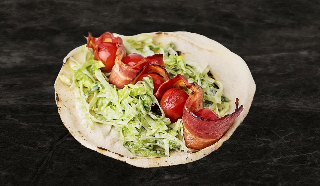 Pita-piquant,  bacon-tomate