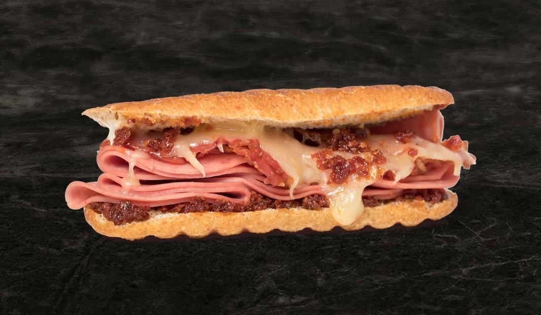Panini salami-cheddar-bacon