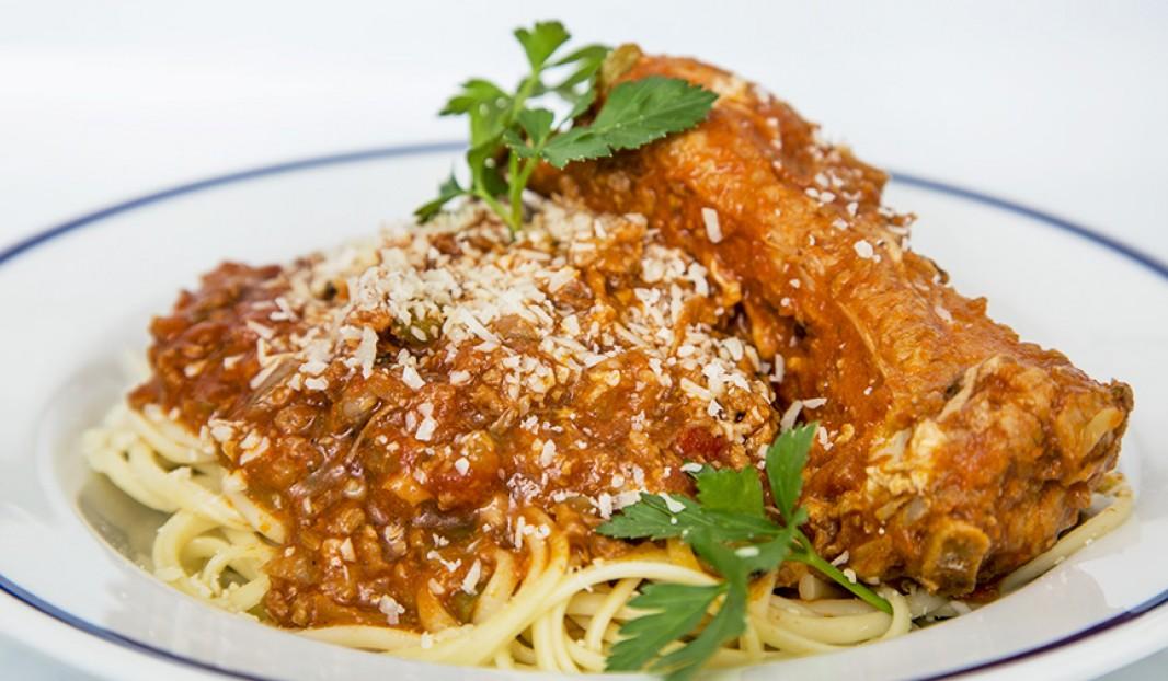 Sauce à spaghetti aux côtes levées de dos de porc