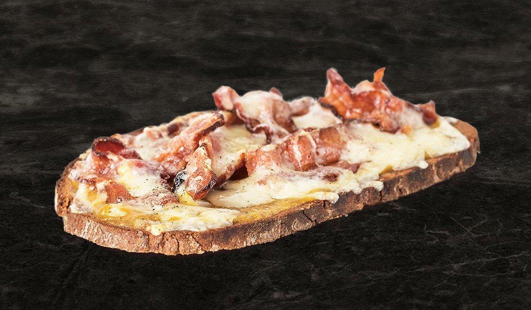 Croûte bacon-cheddar