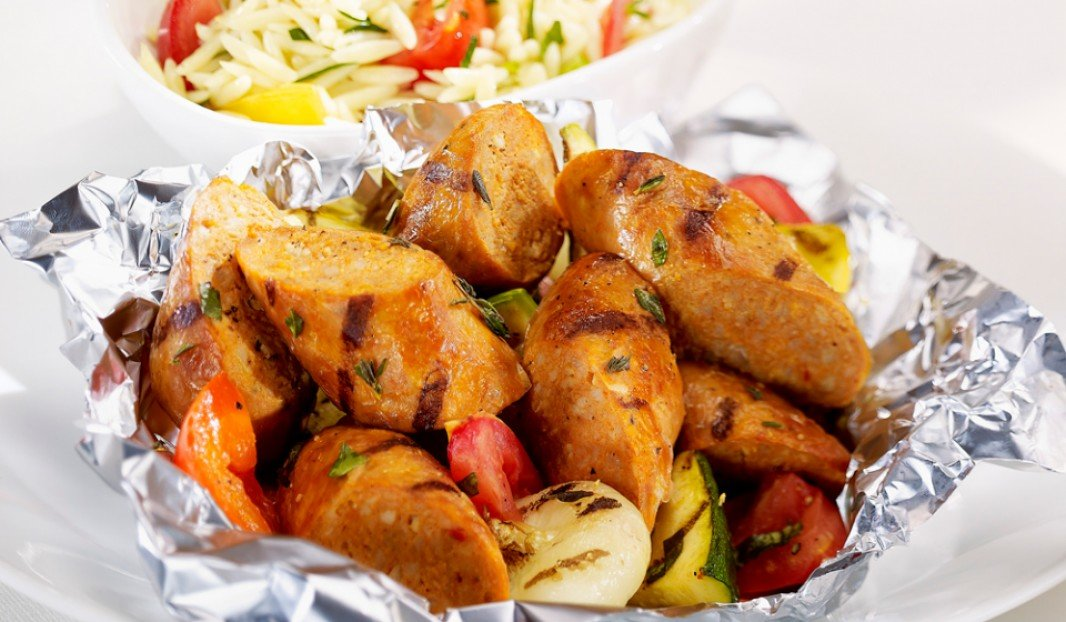 Olymel European Sausages Spicy Italian parcels with grilled vegetables and fine herbs