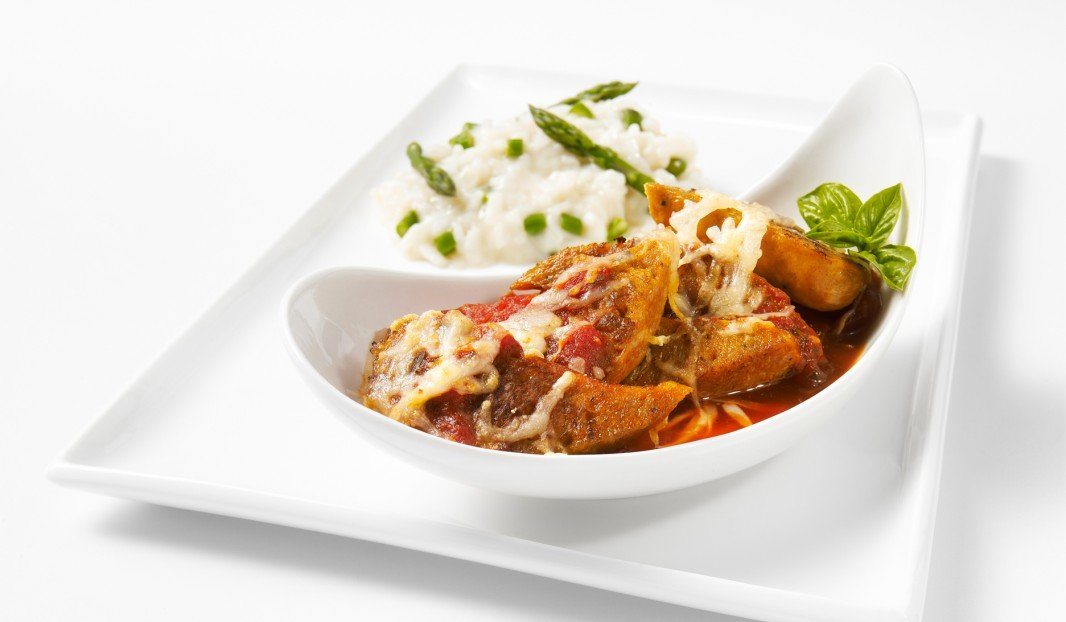 Italian sausages au gratin in Marinara sauce